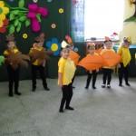 Jesień gości na Dniu Nauczyciela - PP Nadzów 03